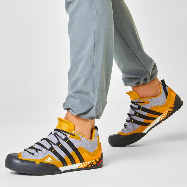 adidas Взуття adidas Terrex Swift Solo FX9325 Grey Three/Core Black/Legacy Gold